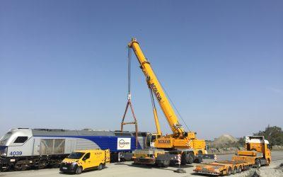 Levage d'une locomotive de 120 tonnes  à Thouars (79)